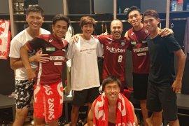 Iniesta dan Torres mulai debut di Liga Jepang