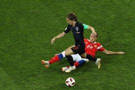 Kroasia bekuk tuan rumah lewat adu penalti