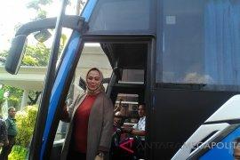 Bupati Karawang uji pelayanan trayek baru Damri