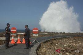 BMKG Denpasar ingatkan gelombang tinggi wisata pantai