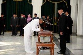 M Iriawan lantik Sumarwan sebagai Penjabat Bupati Sumedang