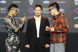 Pertarungan Aoki-Wiratchai pertemuan idola dan penggemar