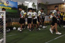 Remaja gua Thailand tampil perdana di hadapan publik