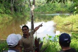 Tim Gerbangmas Mahakam Ulu survei sumber air bersih