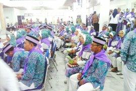 277 Calhaj Maluku berangkat ke embarkasi Makassar