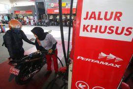 Jokowi jadikan PT Pertamina (Persero) tuan rumah di negeri sendiri