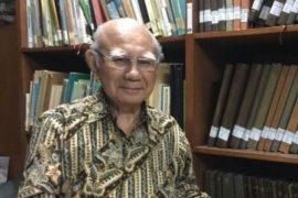 Emil Salim raih lansia teladan, Ridwan Kamil tokoh peduli lansia