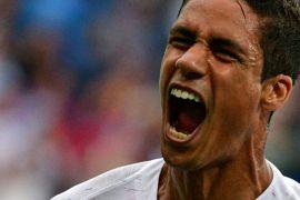 Bek Prancis Varane samai rekor Roberto Carlos