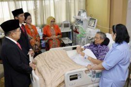 Presiden Jokowi doakan kesembuhan SBY