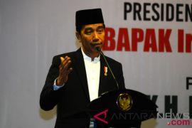 Jokowi sebut Cak Imin dan Romy sedang bersaing