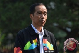 Akhir penantian Jokowi untuk berlatih panahan