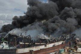 Polisi periksa 13 ABK terkait kebakaran kapal