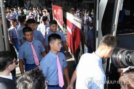 Atlet-atlet Korut tiba di Korsel untuk latihan gabungan