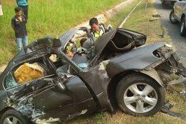 Sopir sedan selamat dalam kecelakaan maut Cipali