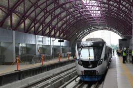 Pengamat: benahi bus dahulu baru bangun LRT