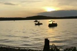 Penyelam evakuasi empat jenazah korban terakhir kecelakaan perahu di AS