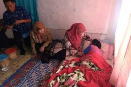 Istri Bupati Sukabumi kunjungi Nining korban tenggelam