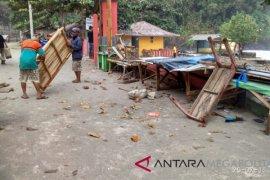 Ini kerugian akibat gelombang pasang di Sukabumi
