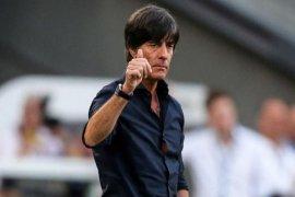 Pelatih Jerman Loew masuk RS,  absen di kualifikasi Euro