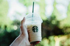 Starbucks stop gunakan sedotan plastik