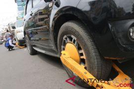 Pelaku usaha keberatan dengan tarif parkir inap kendaraan