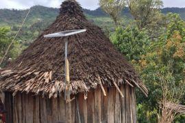 Lampu surya mulai terangi pedalaman Yahukimo Papua