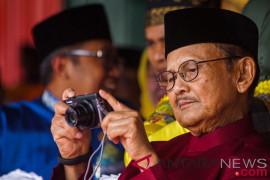 Gubernur Riau kagumi dedikasi BJ Habibie