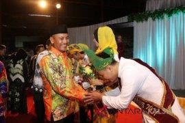 Dahnial Kifli hadiri grand final Utuh Aluh HSS