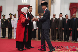 Jokowi saksikan pengucapan sumpah jabatan hakim konstitusi