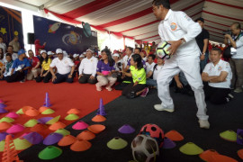 Mensos bermain bersama anak-anak di Gebyar Prestasi