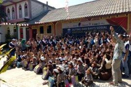 HA-IPB salurkan bantuan pendidikan ke SMP At-Tiin