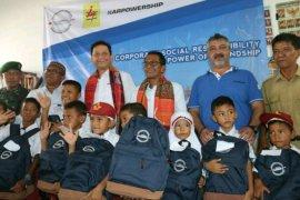 Karpower salurkan perlengkapan sekolah untuk siswa  Belawan