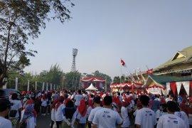 BUMN Hadir - Ribuan peserta ramaikan jalan sehat BUMN Hadir untuk negeri