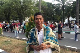 Idul Adha, Zohri telepon keluarga di Lombok