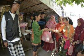 Muslim Denpasar wujudkan toleransi melalui berbagi kurban