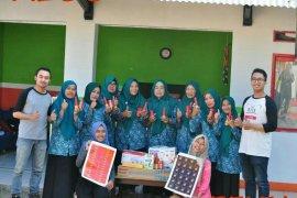 Mahasiswa IPB ajak kelompok wanita tani Sukabumi kembangkan ekonomi kreatif cabai dan tomat