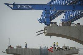 Pembangunan jalan layang tol Cikampek