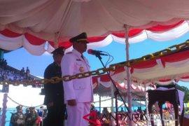 Bupati Sahani Saleh pimpin upacara HUT RI di Belitung
