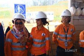 Meningkatkan Kinerja Melalui Keberagaman Gender di Tambang Emas Martabe