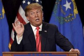 Donald Trump curigai aktivitas Facebook, Twitter dan Google