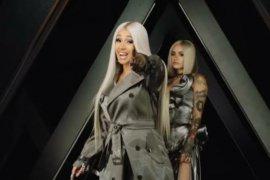 Cardi B berkelahi dengan Nicki Minaj di New York Fashion Week