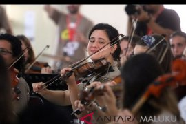 Orkestra Ocas kejutkan warga Ambon