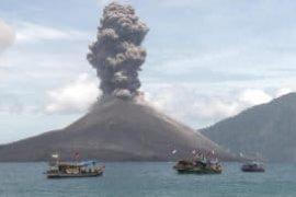 BNPB: anak krakatau meletus 576 kali