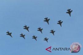 17 pesawat tempur meriahkan HUT Ke-73 RI