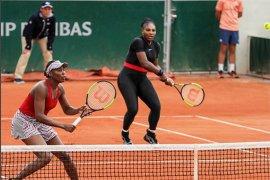 """Kostum """"Black Panther"""" Serena dilarang di Prancis Terbuka"""