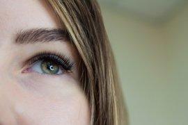 Enam kebiasaan kecil yang bisa merusak mata