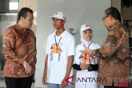 Peserta SMN di Pontianak kunjungi istana perancang lambang Garuda