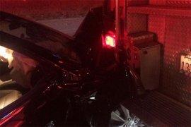 Mobil swakemudi Tesla Model S tabrak kendaraan pemadam kebakaran