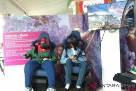Mencoba gim VR di K-Food Content & Festival