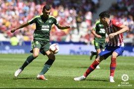 Atletico selamat dari kekalahan berkat gol telat Borja Garces, imbangi Eibar 1-1